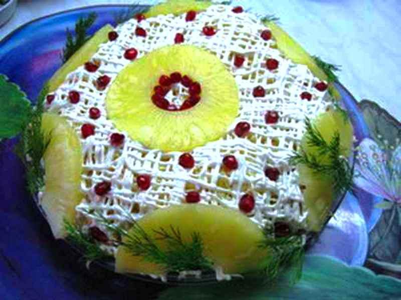 ananasovyj-salat-shapka-monomaxa