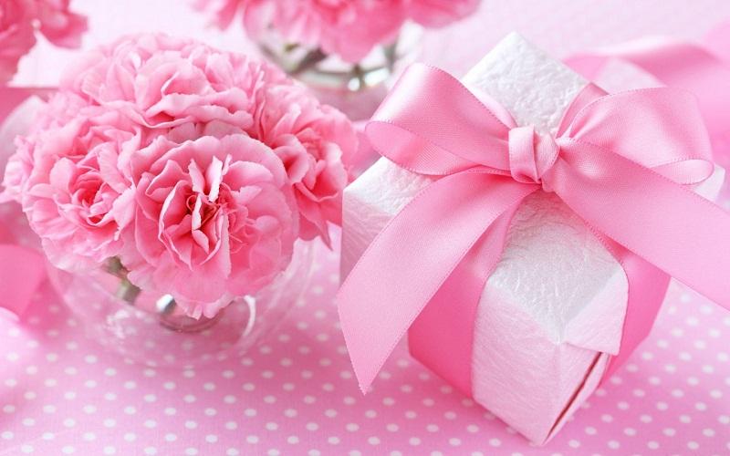 Что подарить на 8 марта маме