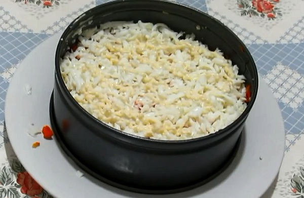 belok-v-salate-mimoza
