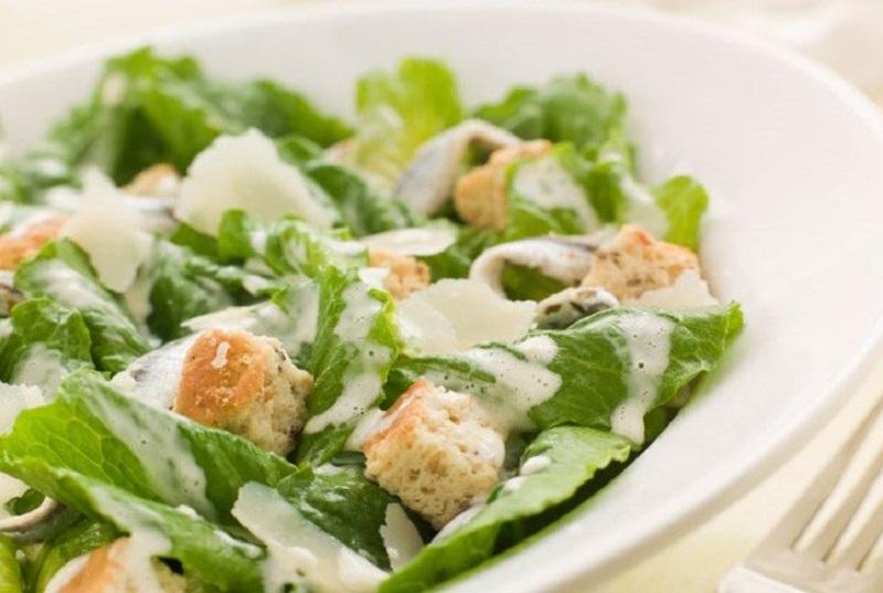 Салат цезарь с сухариками рецепт с фото