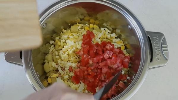 pomidory-dlya-okroshki