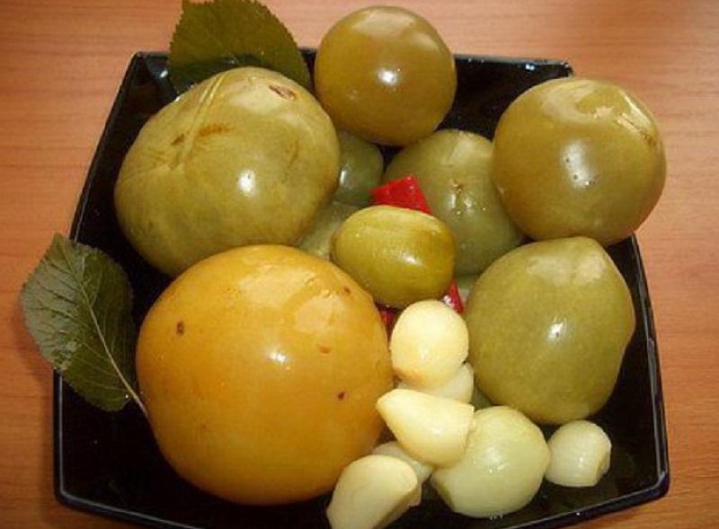 malosolnye-zelenye-pomidory