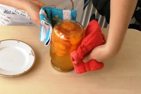 kompot-iz-abrikosov-s-kostochkami (8)