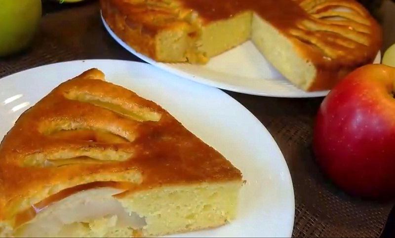 Сделать шарлотку с яблоками простой рецепт