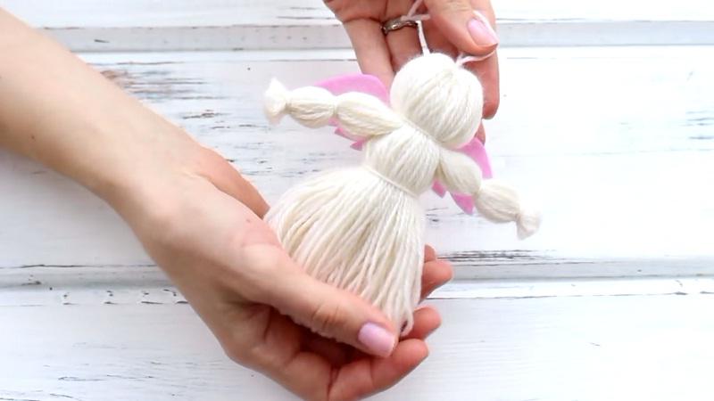 angel-na-yolku Елочные игрушки своими руками: мастер класс, фото. Как сделать новогодние игрушки на елку для детского сада, на конкурс, для уличной и большой елки?