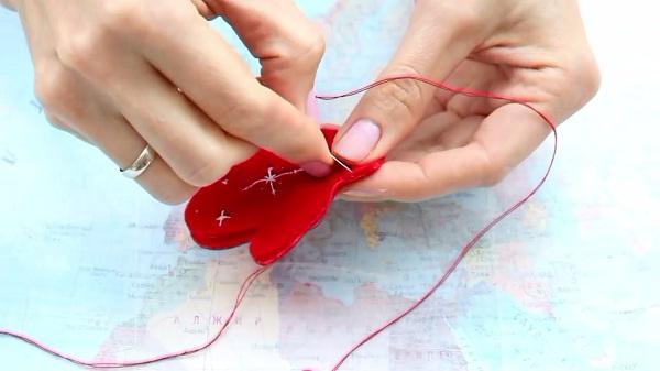Как сделать из перчаток елку фото 275