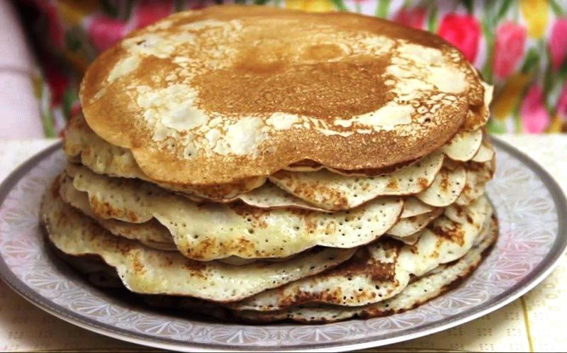 Толстые блины на кефире — пошаговый рецепт с фото, как приготовить на дрожжах пышными и вкусными, как у бабушки.