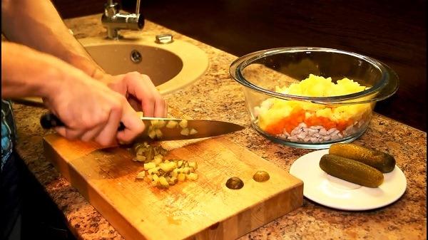 narezat-ovoshi-dlya-olive