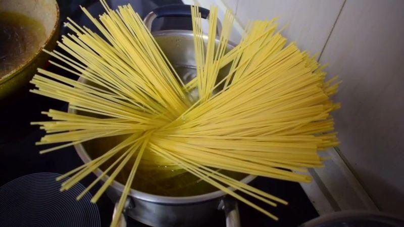 otvarivaem-spagetti