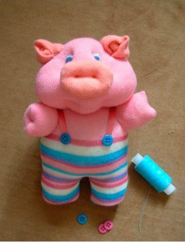 Свинка из носка - новогодняя поделка