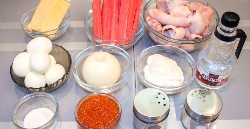 ингредиенты для салата с кальмарами