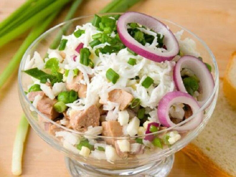 Очень вкусный салат с печенью и луком